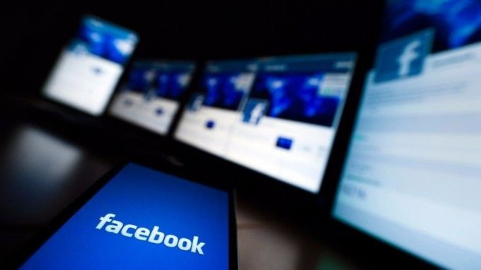 Facebook lavora a dispositivo per video chat
