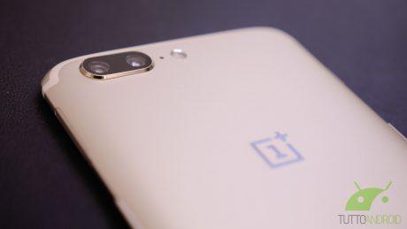 OnePlus conferma il furto dei dati delle carte di credito di 40.000 utenti