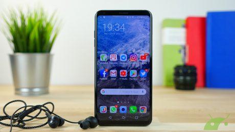 LG V30 copertina recensione