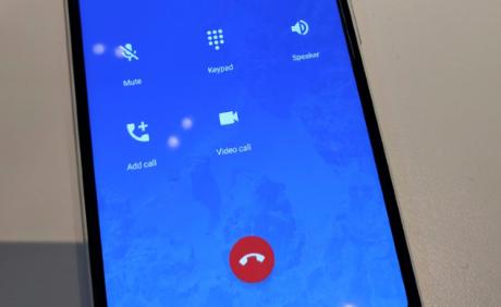 Abilitato il tasto per lo switch tra telefonata e videochiamata con Google Duo
