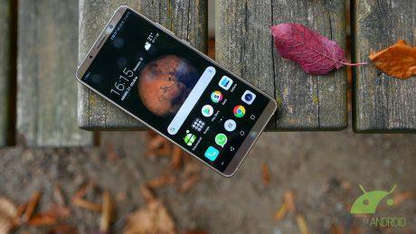 Huawei Mate 10 Pro riceve un nuovo update con le patch di ma