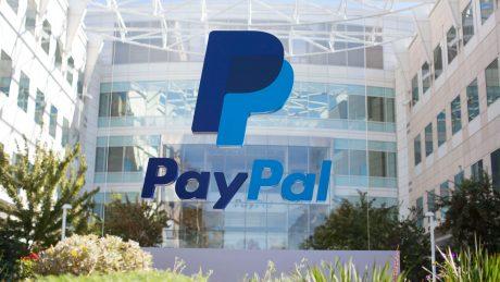 Da oggi potete mandare le fatture PayPal attraverso Facebook Messenger