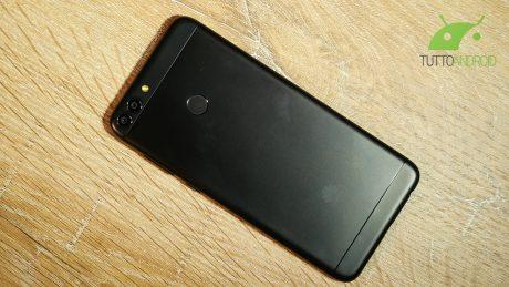 Huawei P Smart, un Mate 10 Lite più compatto ed economico: la nostra video anteprima