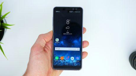 Samsung Galaxy A8 (2018) brand Vodafone inizia a ricevere An
