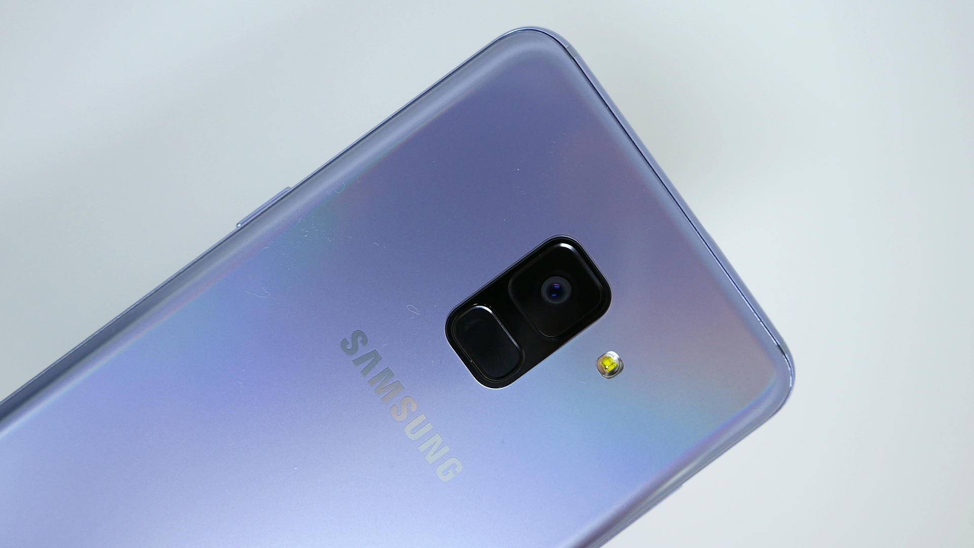 Samsung Galaxy A8 (2018) e A7 (2018) ricevono l'aggiornament