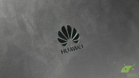 Huawei attacca le custom ROM: niente più codici per lo sbloc