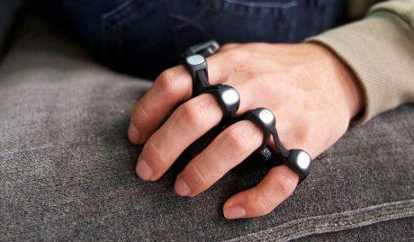 Tap è una tastiera che si indossa e inventa un nuovo modo per interagire con smartphone e computer