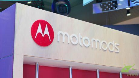 Motorola moto mods mwc18