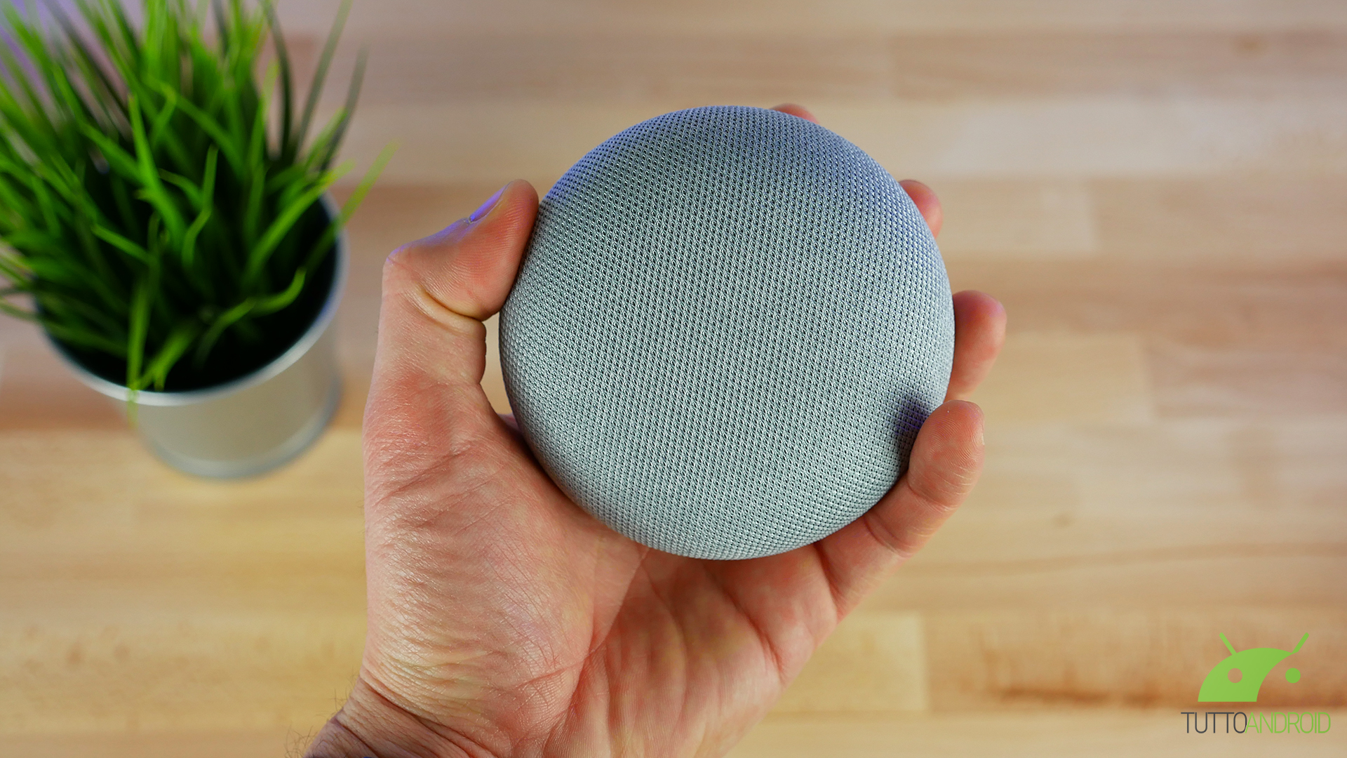 Google Home Mini a un prezzo imperdibile da MediaWorld: 9,99 euro