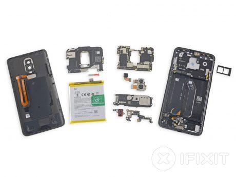 Nel teardown di iFixit OnePlus 6 insegue 5T e 5: appena cinq