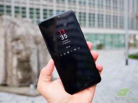 OnePlus 6 sta soffrendo di battery drain dopo l'ultimo aggio