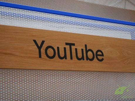 YouTube per Android testa i video consigliati prima dei commenti