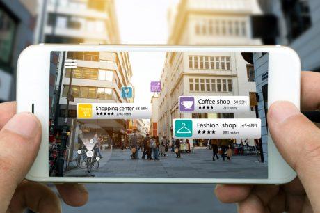 Google sarebbe al lavoro su un casco per godere di una realtà aumentata più immersiva