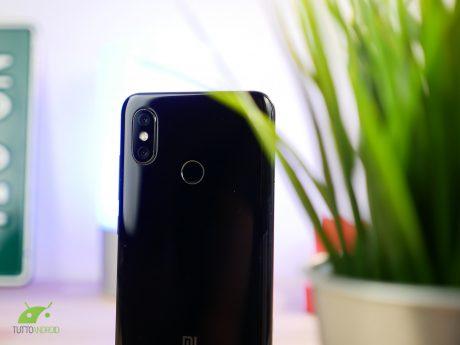 Xiaomi va al buon trotto: un milione di Mi 8 venduti in due settimane e ricavi 2017 da paura