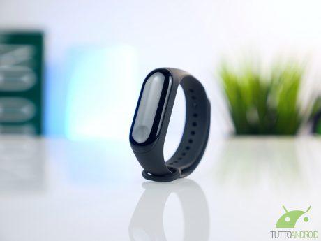 Xiaomi Mi Band 3 NFC si aggiorna e permette di aggiungere sc
