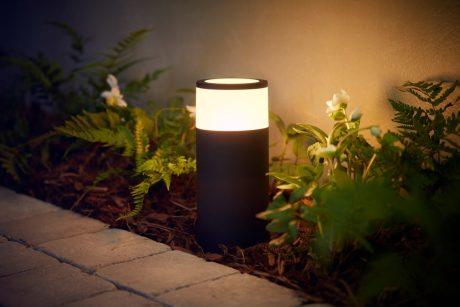 Philips Hue outdoor Calla pedestal 1420x947