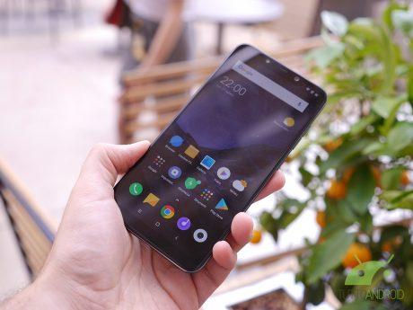 Android Q e POCOPHONE F1, via i dubbi: l'aggiornamento arriv
