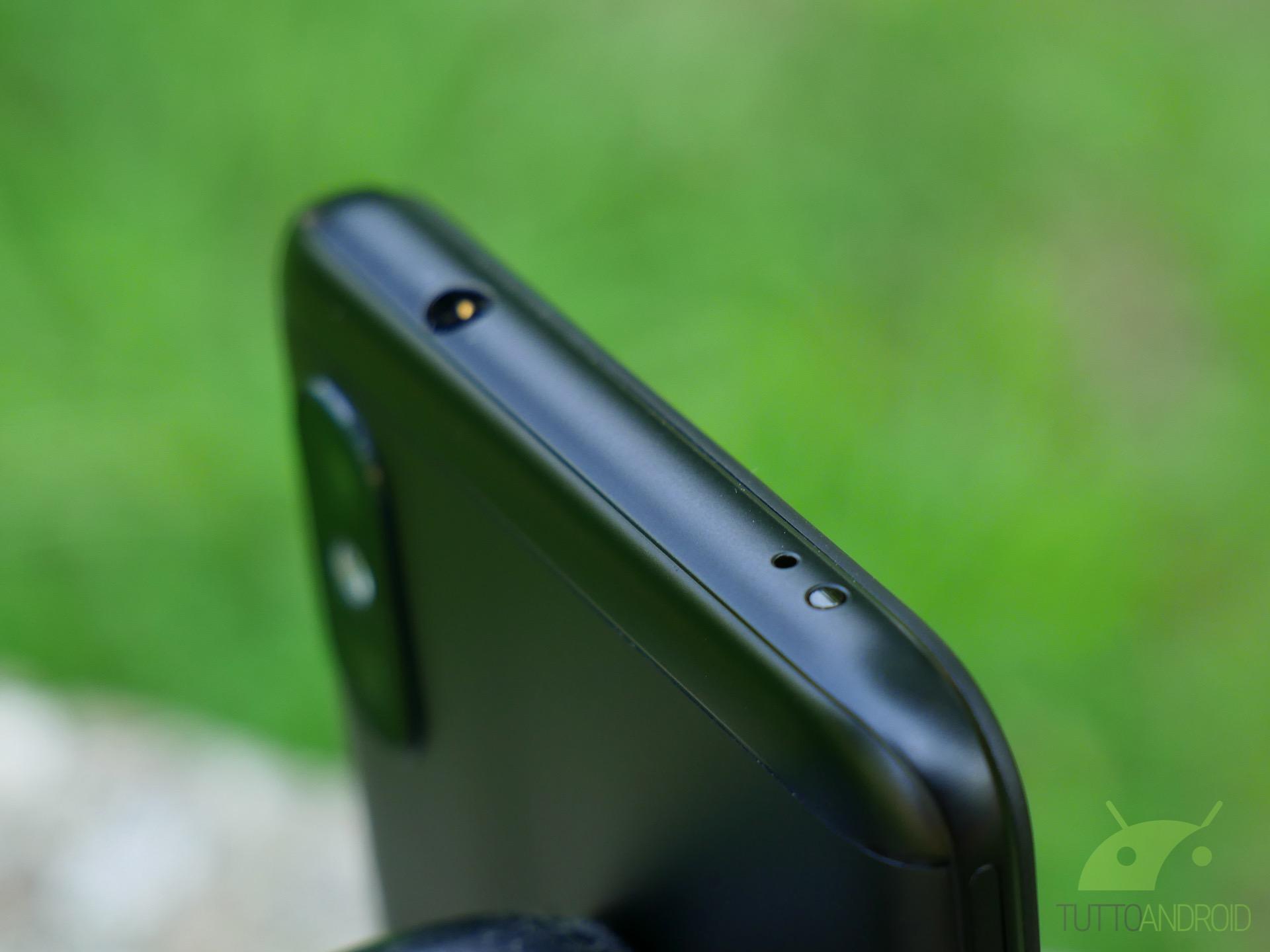 Xiaomi Mi A2 Lite, HONOR Magic Earbuds e Samsung Galaxy Buds