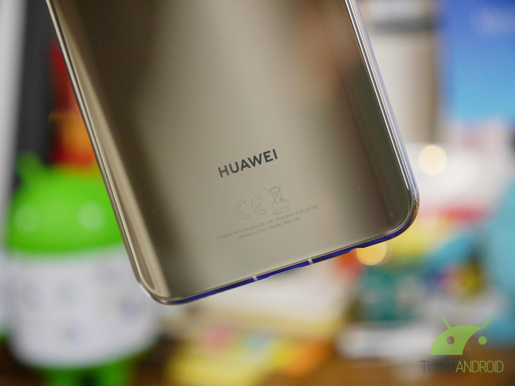 Huawei punzecchia Apple: Mate 20 e 20 Pro saranno la vera rivoluzione, altro che i nuovi iPhone