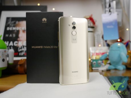 Huawei Mate 20 Lite regalerà una Band 3 Pro fino a fine ottobre