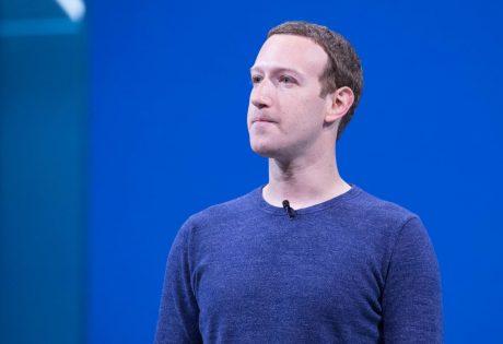 Mark Zuckerberg avrebbe esortato i dirigenti di Facebook a usare smartphone Android