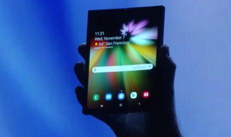 Samsung smartphone flessibile Infinity Flex