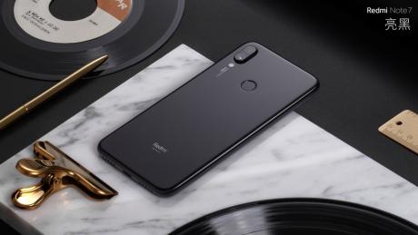 Redmi Note 7 pronto a debuttare nella versione 4+128 GB, men