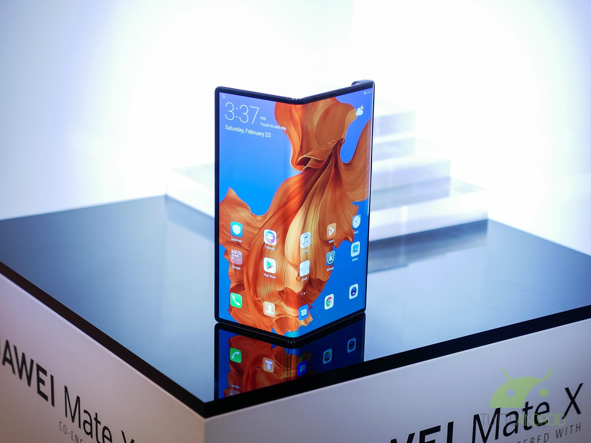 Huawei Mate X finalmente in vendita, in Cina, a oltre 2000 e