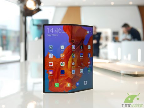 Huawei Mate X dovrebbe arrivare con una scheda tecnica diffe