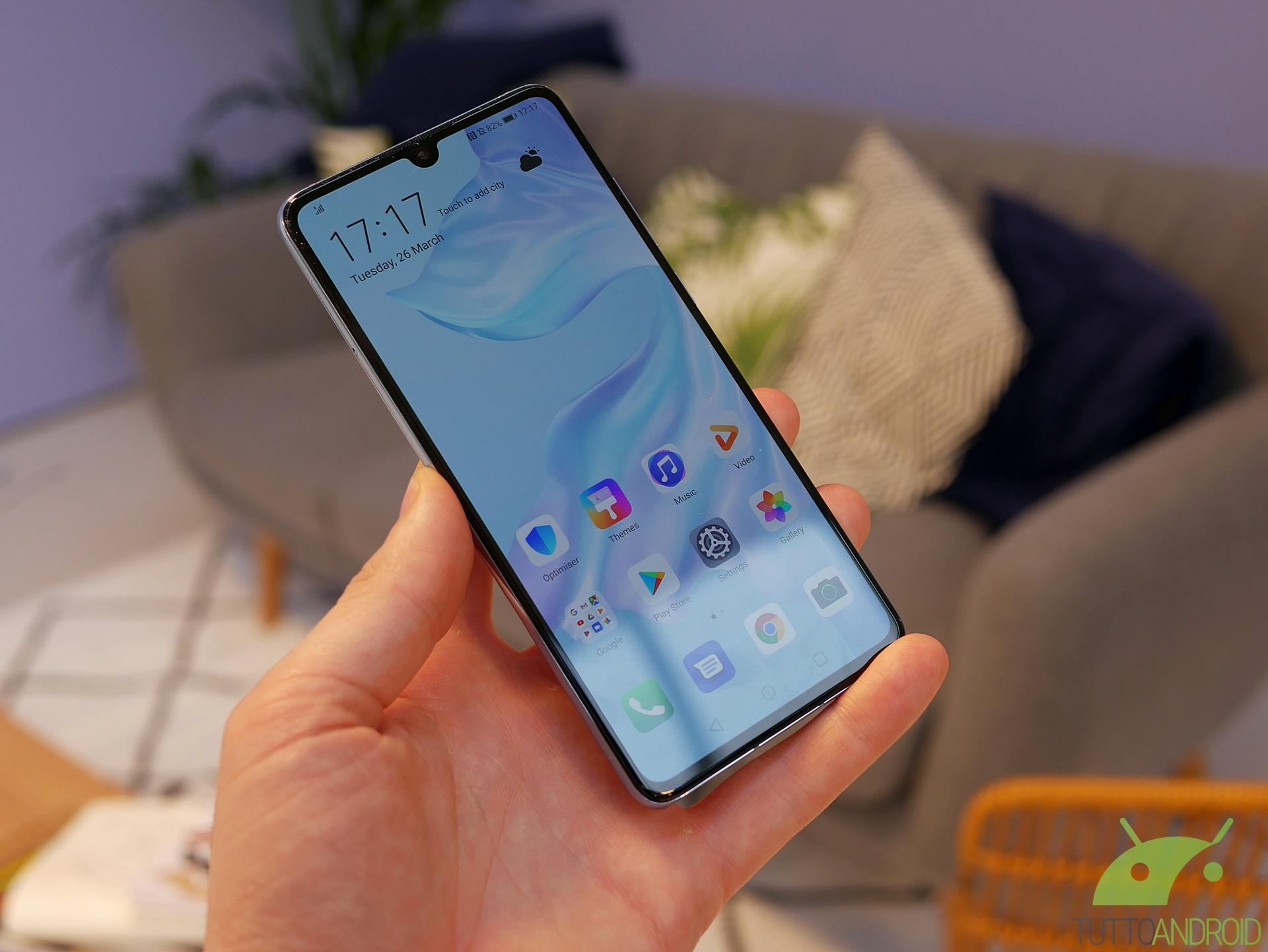 Huawei Mate 9, P10 Plus e P30 ricevono un misterioso aggiorn