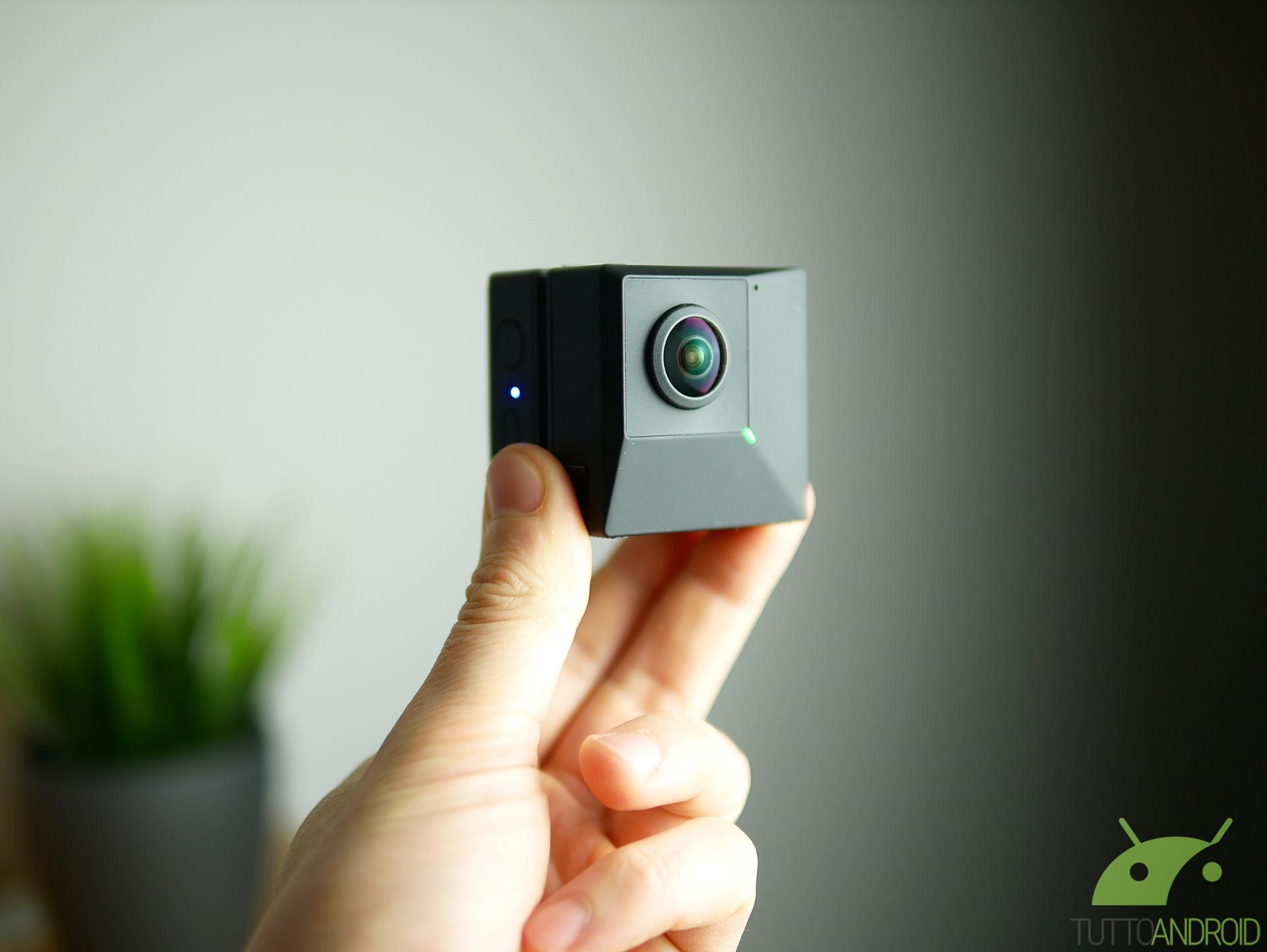 Insta360 EVO è ufficiale, una super fotocamera che fa foto e video a 360 gradi e in 3D