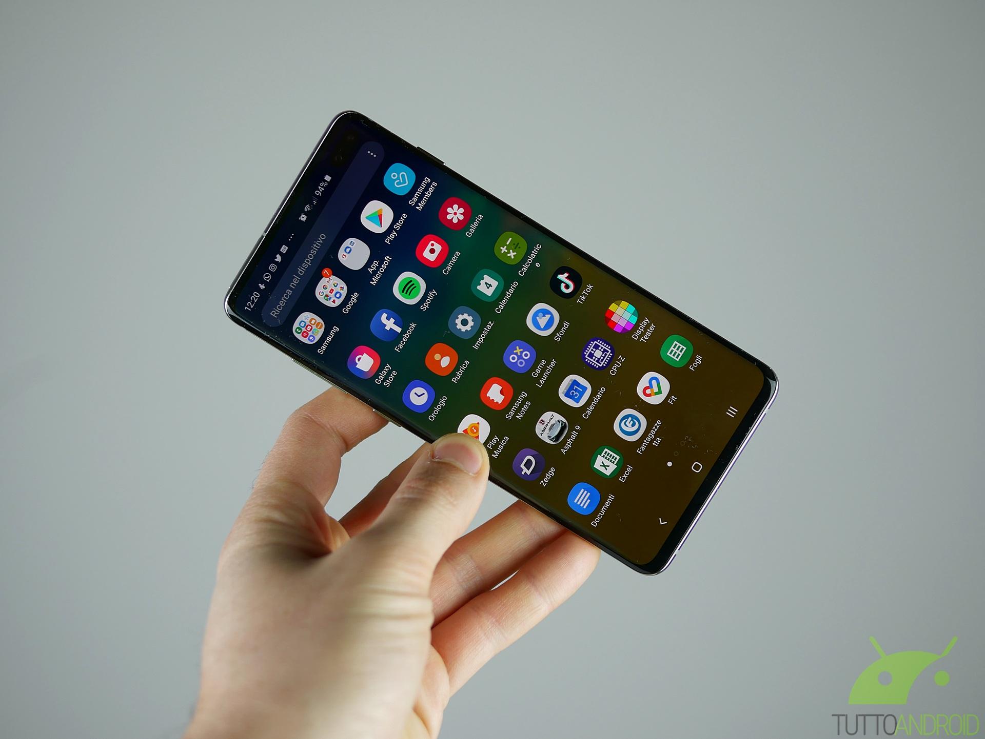 Samsung è al lavoro per portare Google Duo nell'app Messaggi