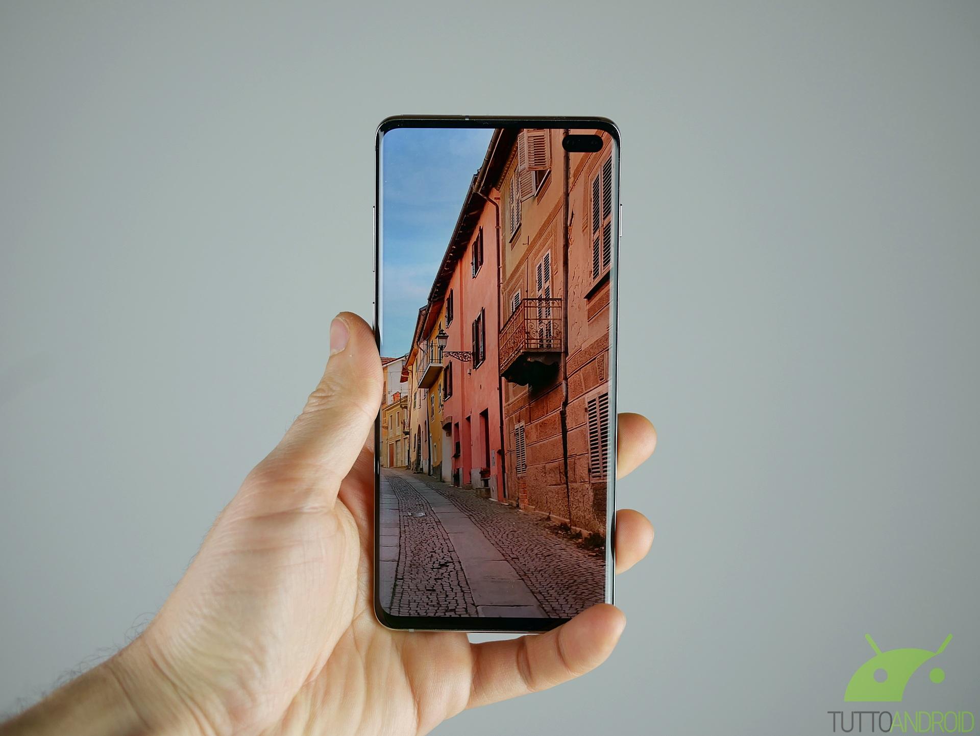 Recensione Samsung Galaxy S10 Il Miglior Smartphone In