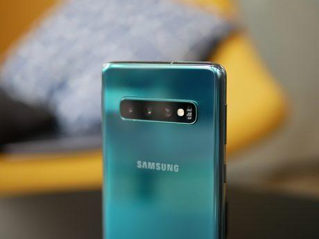 Il primo smartphone di Samsung con fotocamera da 64 megapixe