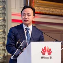 Huawei accusa gli USA di bullismo e lavora con Google per contrastare l'effetto del ban