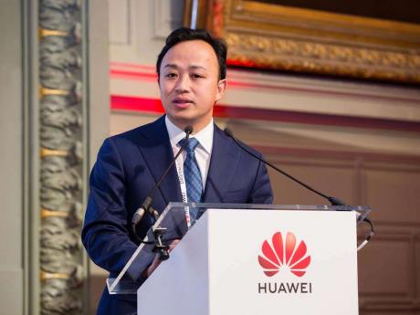 Huawei accusa gli USA di bullismo e lavora con Google per co