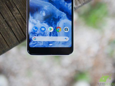 """Google continua a prendersi gioco di Apple: """"Phone X"""" ha Goo"""