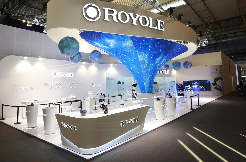 Royole potrebbe lanciare uno smartphone con display a cascata e un'unica fotocamera