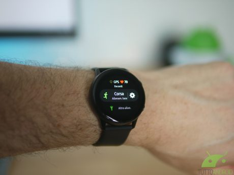 Samsung Galaxy Watch Active 2 dirà addio alla ghiera fisica