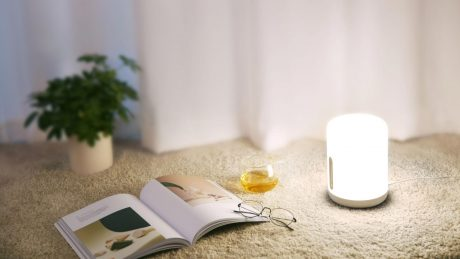 Xiaomi Mi True Wireless Earbuds e Mi Bedside Lamp 2 arrivano