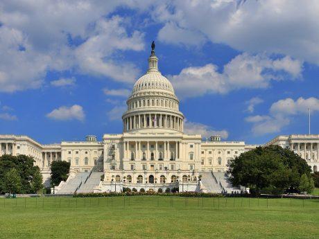 Il Congresso USA contro Huawei e Trump con una proposta di l