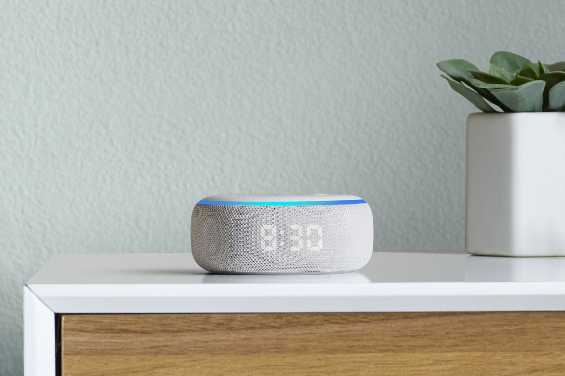 MediaWorld supera Amazon: Echo Dot e Echo Dot con orologio a