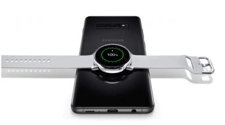Samsung Galaxy S10 e Galaxy Watch Active a 674 euro con la n
