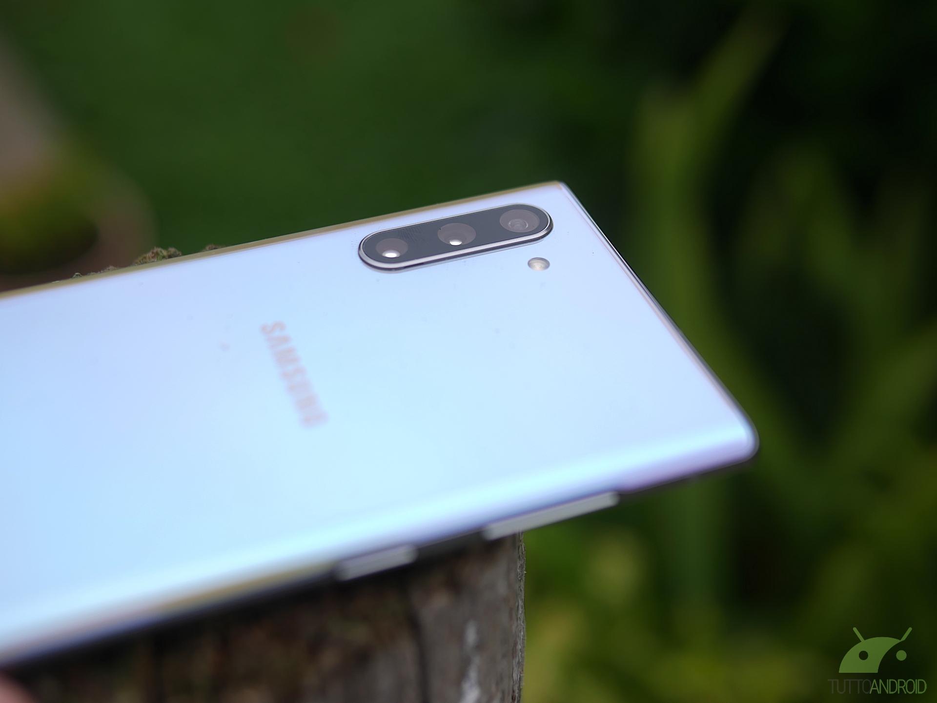 Un brevetto mostra un design inedito per la fotocamera del Samsung Galaxy Note 20