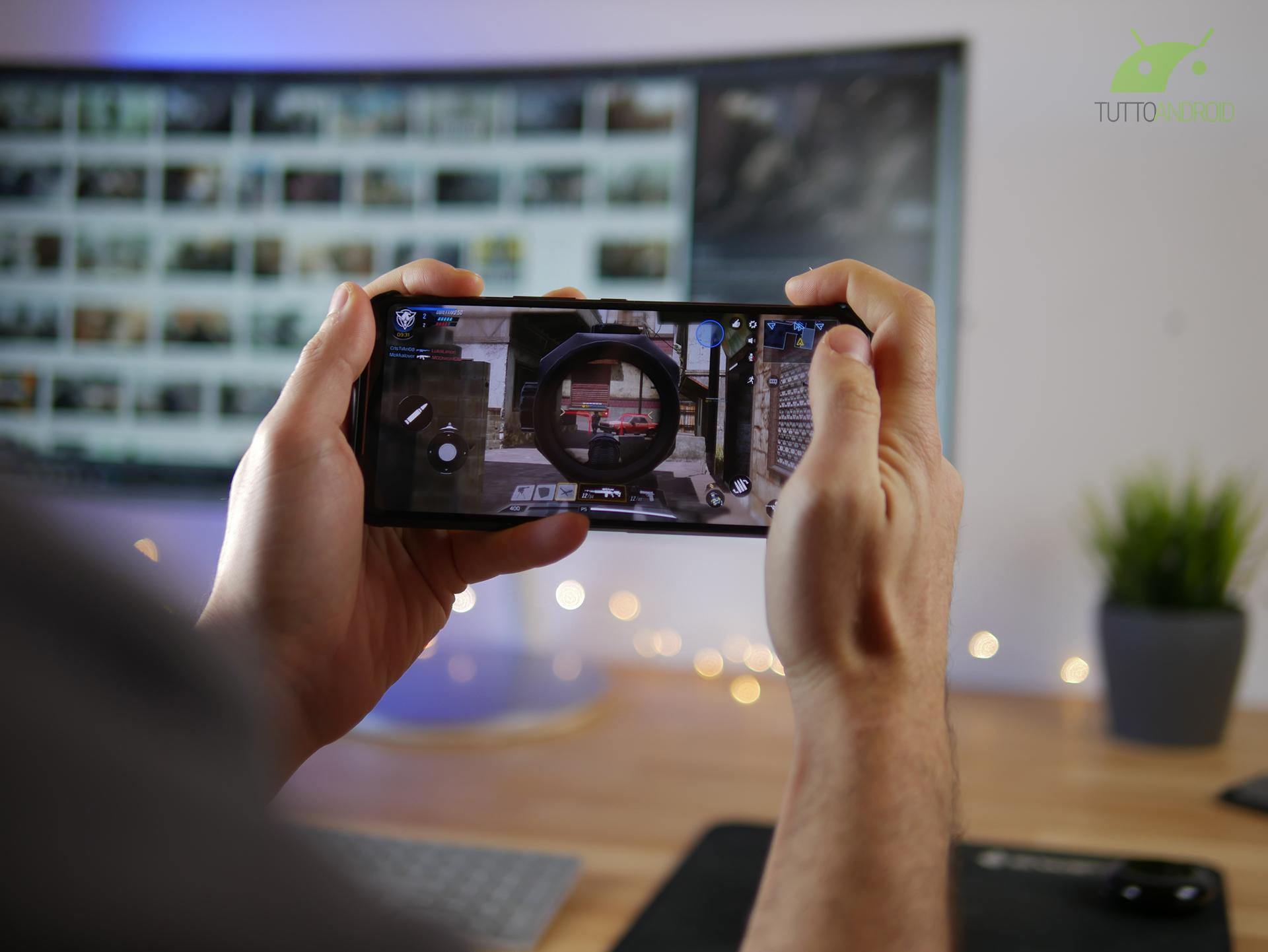 Google Stadia prepara il gamepad touchscreen e l'app per And