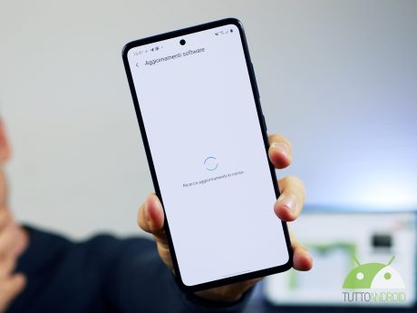 Chi aggiorna di più gli smartphone android