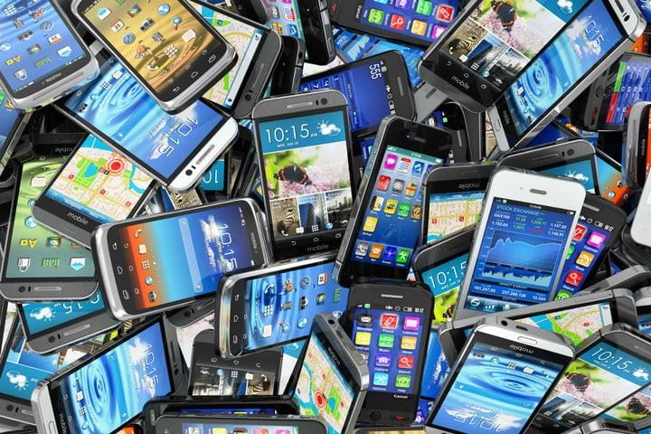 Ecco quanto inquinano i nostri vecchi cellulari e come potrebbero essere usati