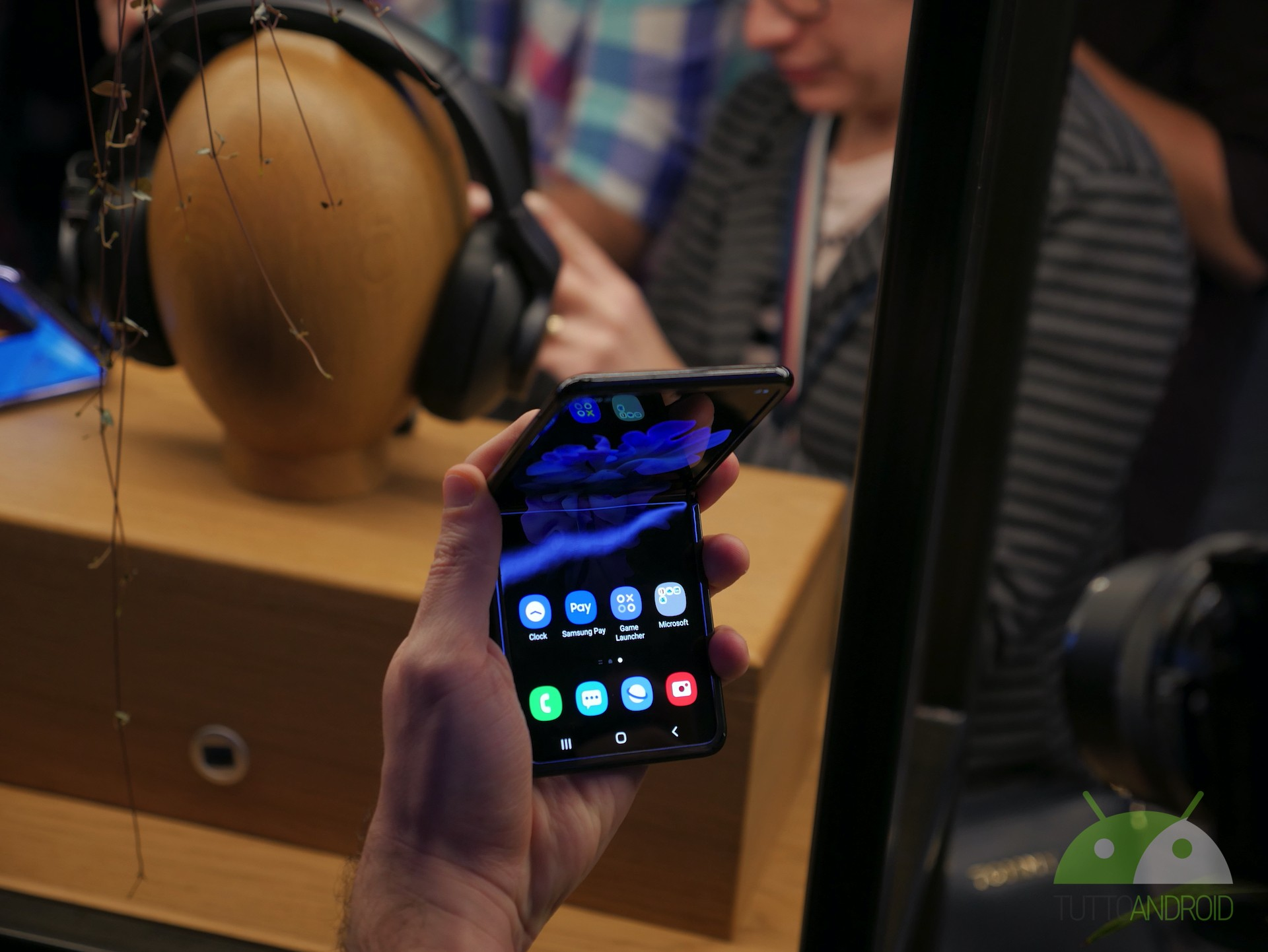 E se dovesse rompersi? Samsung Galaxy Z Flip non è poi così