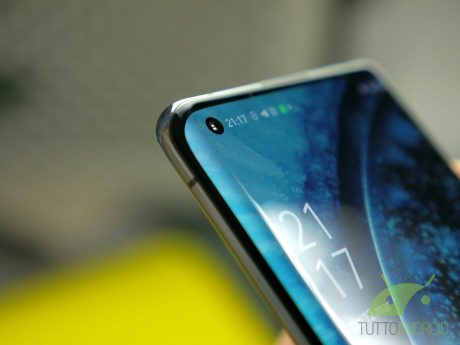 Recensione OPPO Find X2 Pro punch hole