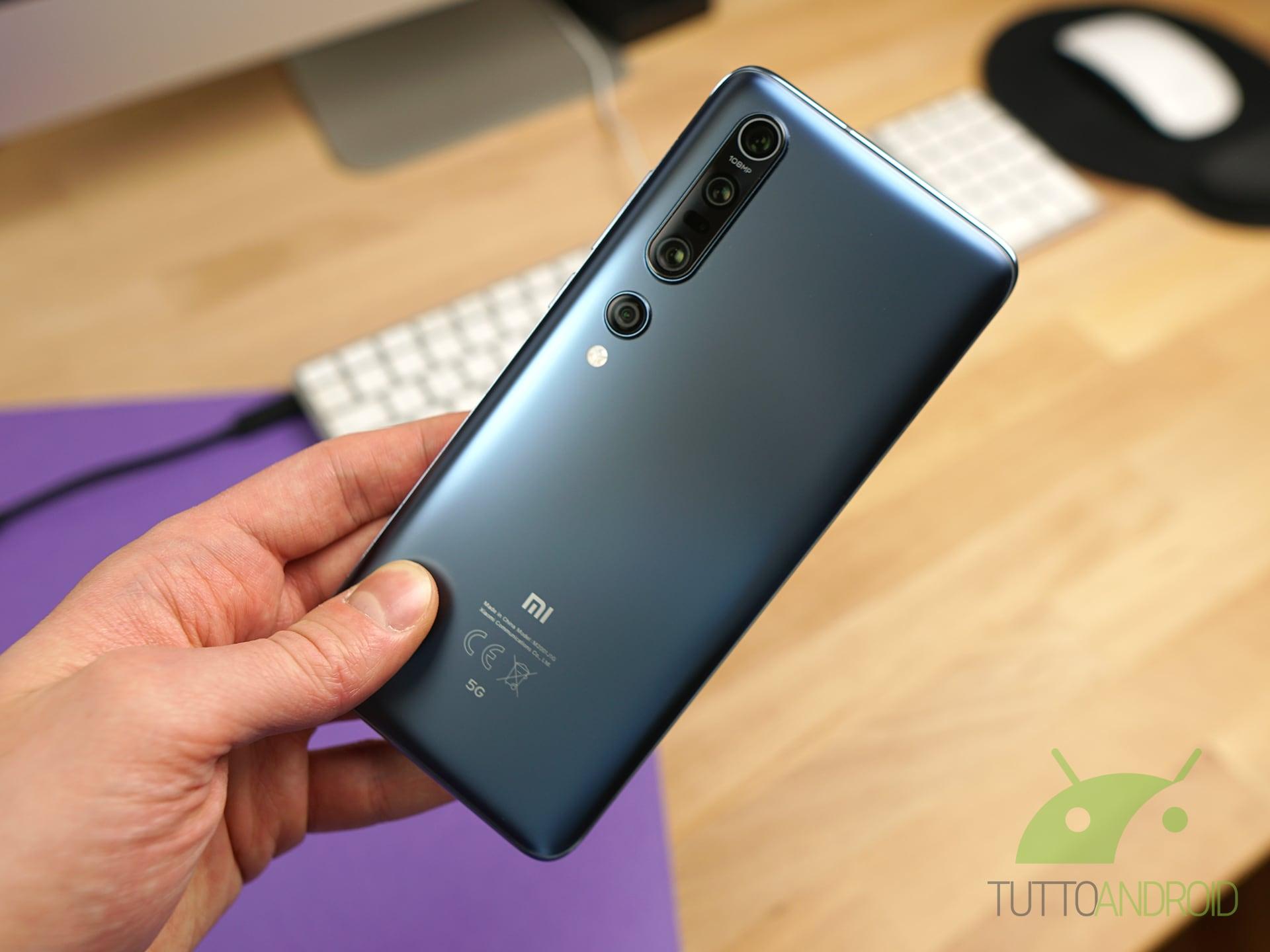 Recensione Xiaomi Mi 10 Pro design